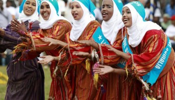 117173-somali-refugees-perform-traditional-dance-during-celebrations-to-mark-