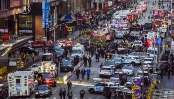 ct-new-york-times-square-explosion-20171211